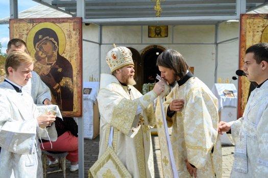 Рукоположение Николая Васильева в сан диакона